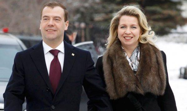 Дмитрий Медведев с женой. Фото og.ru