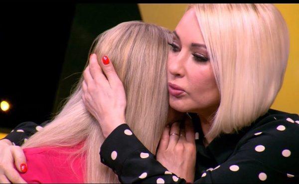 Лера Кудрявцева утешает Малькову