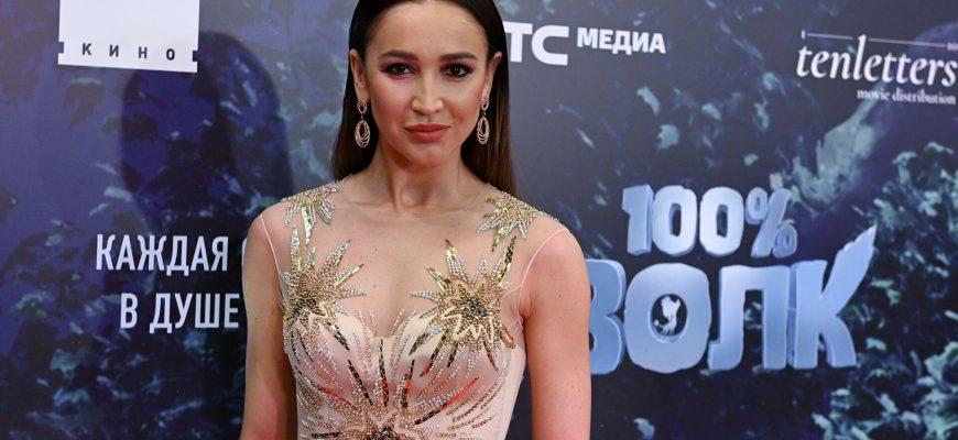 На премии «Жара» Ольга Бузова впервые прокомментировала скандал с Ксенией Собчак. Все закончилось слезами