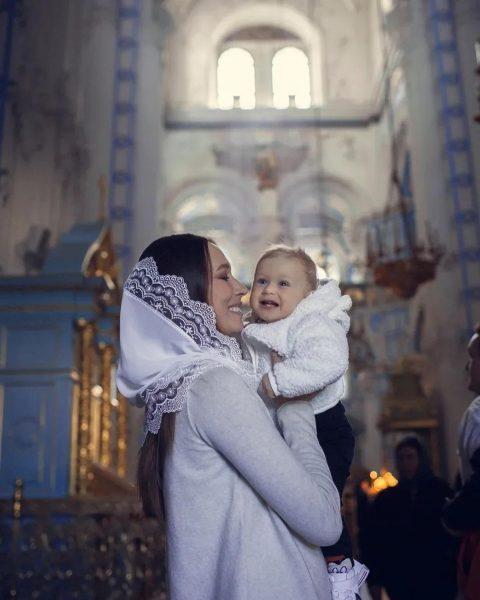 Александра Сивкова с сыном