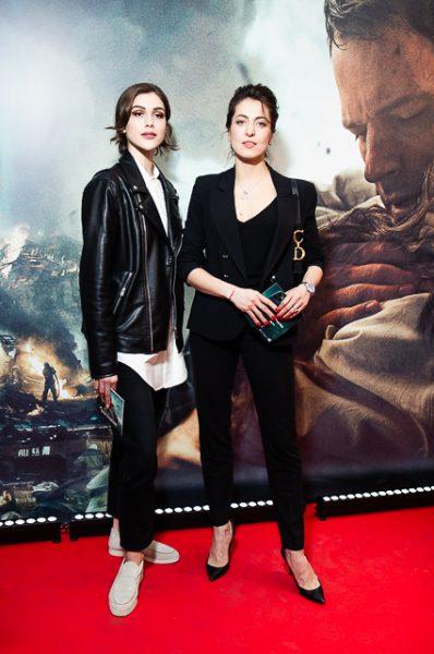 Анастасия Меськова с подругой