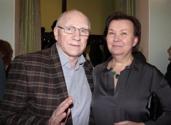 """""""Она все - таки ушла..."""" Валерий Баринов благодарен бывшей жене за то, что сбежав от него, она оставила ему маленького сына"""