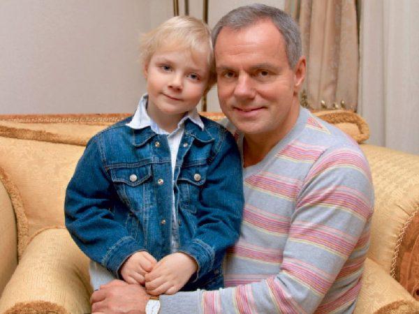 Александр Мохов с сыном Макаром