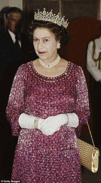 На королеве оно тоже смотрелось неплохо