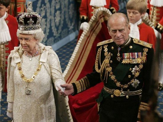 Королева и принц Филипп