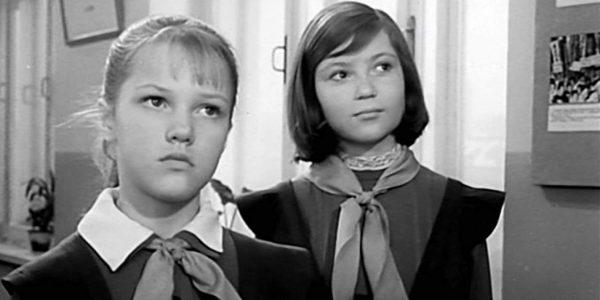"""Елена Проклова, кадр из фильма """"Звонят, откройте дверь"""""""