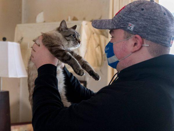 Кот, унесенный ураганом два года назад, вернулся домой