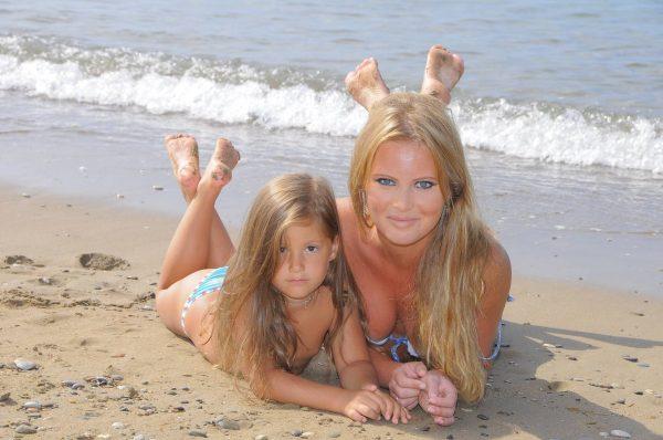 Дана Борисова с дочерью,