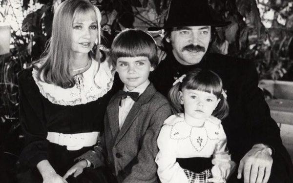 Лариса Луппиан и Михаил Боярский с детьми