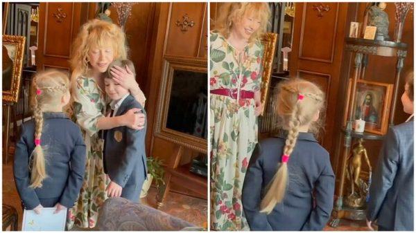 Дети Поздравляют маму с днём рождения. Фото Вокруг ТВ