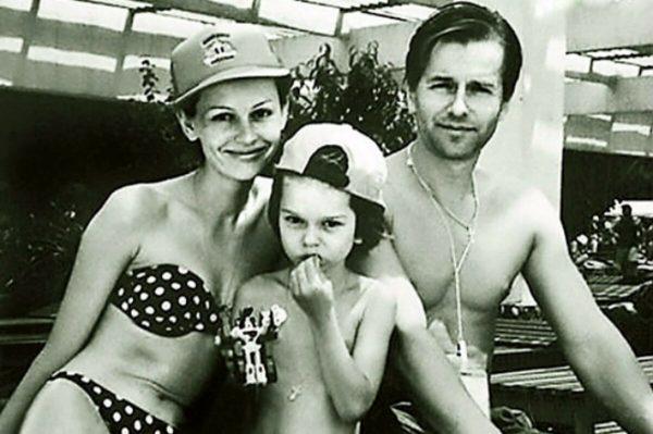 Ирина Безрукова и Игорь Ливанов с сыном