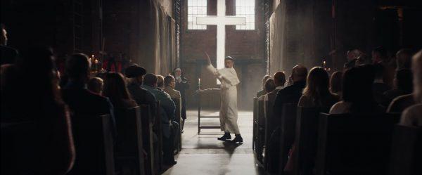 Вряд ли ему это простят. Моргештерн записал клип в храме, чем вызвал массу негатива у бойцов ММА и боксёров, которые итак были злы на него