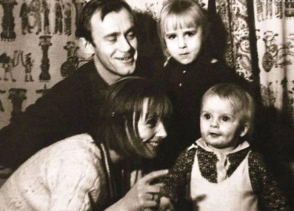 Фото: stuki-druki.com Валерий Носик с семьей