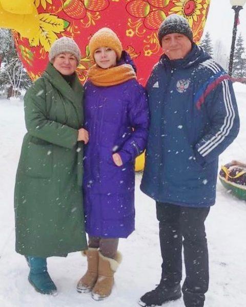 Вера Алдонина с родителями Юлии Началовой