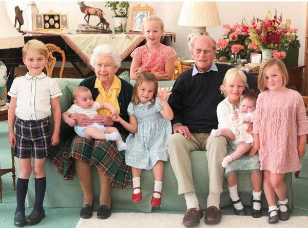 Королева с правнуками в 2019 году