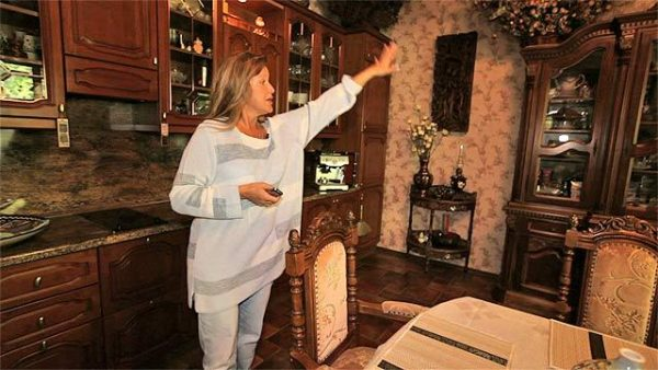 Елена Проклова в своём доме