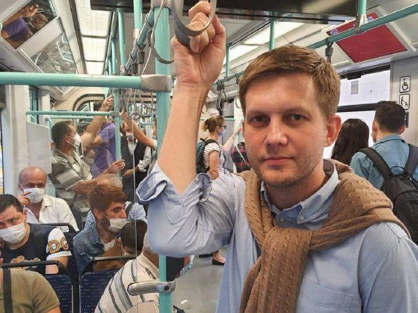 Борис Корчевников в метро