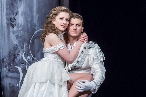 Арзамасова и Бледный
