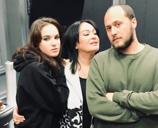Семейное фото Гузеевой