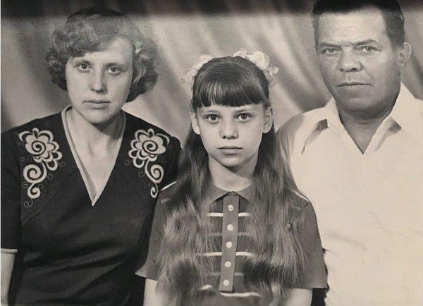 Ирина Салтыкова с родителями