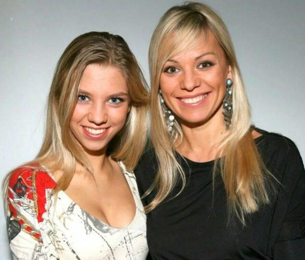 Ирина Салтыкова с дочкой