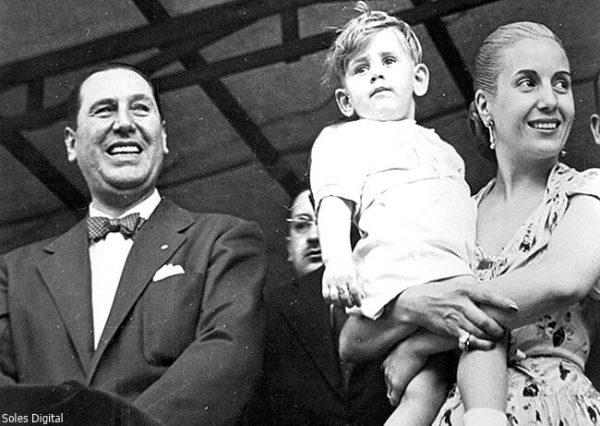 Хуан и Эва Перон с сыном