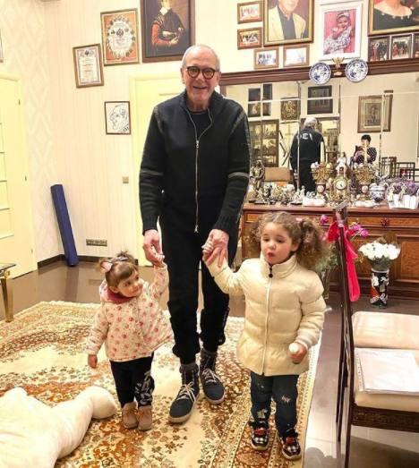 Эммануил Виторган с детьми
