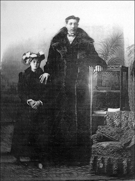Федор Махнов с женой. Фото Википедия