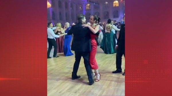 Ольга Бузова не умеет танцевать,