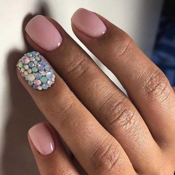 Последние тренды маникюра на короткие ногти - идеи красивого маникюра, мода весна-лето 2021-2022