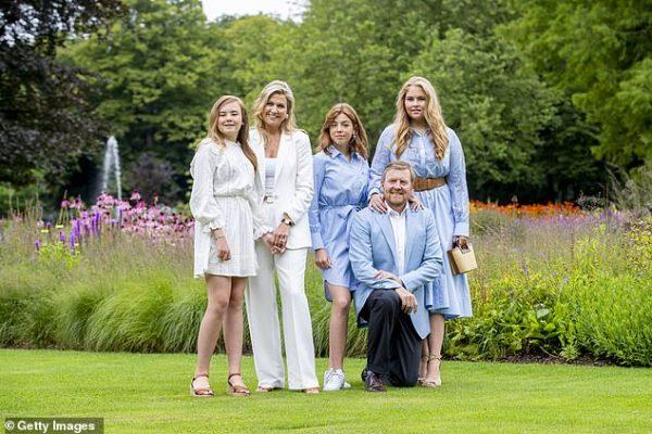 """""""Вдвое толще мамы"""" - Как выглядит 17-летняя принцесса Нидерландов"""