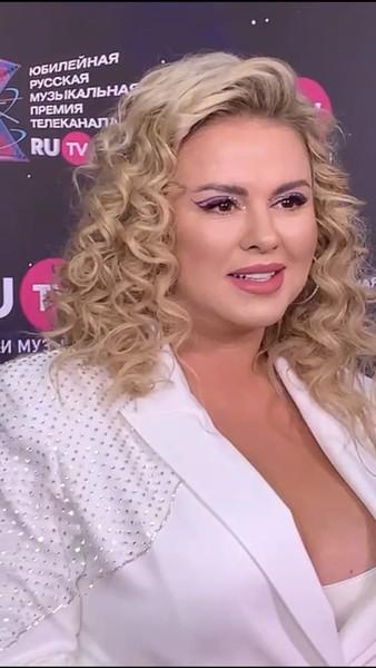 Анна Семенович.