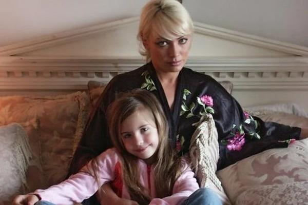 Наталья Лапина с дочкой. Фото kulturologia.ru