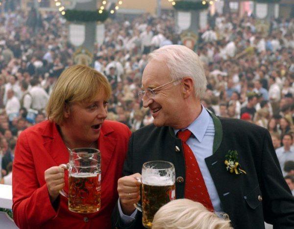 Смешные фото (26) Ангелы Меркель