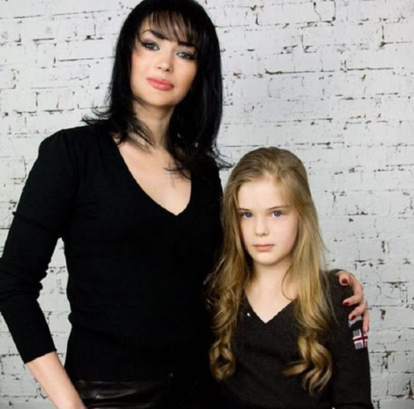 Женя Абдулова с мамой