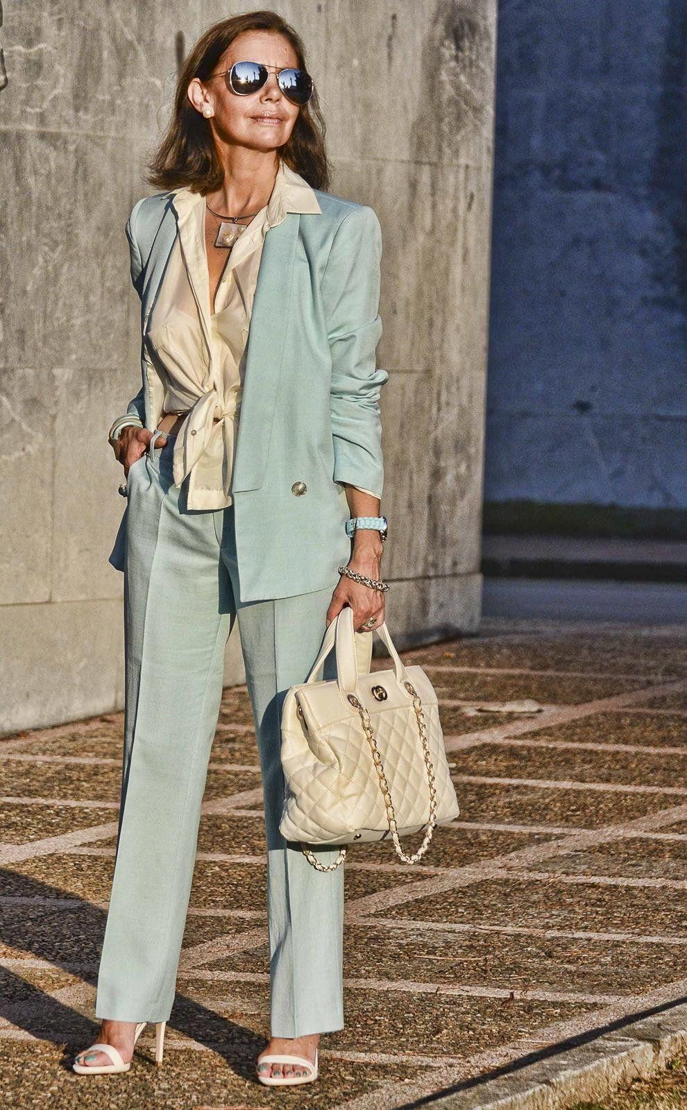 Как одеваться женщине в 45 лет стильно: фото модных образов, тренды 2021-2022 года, советы от Эвелины Хромченко