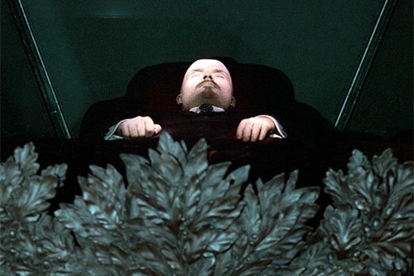 Ленин в мавзолее. Фото