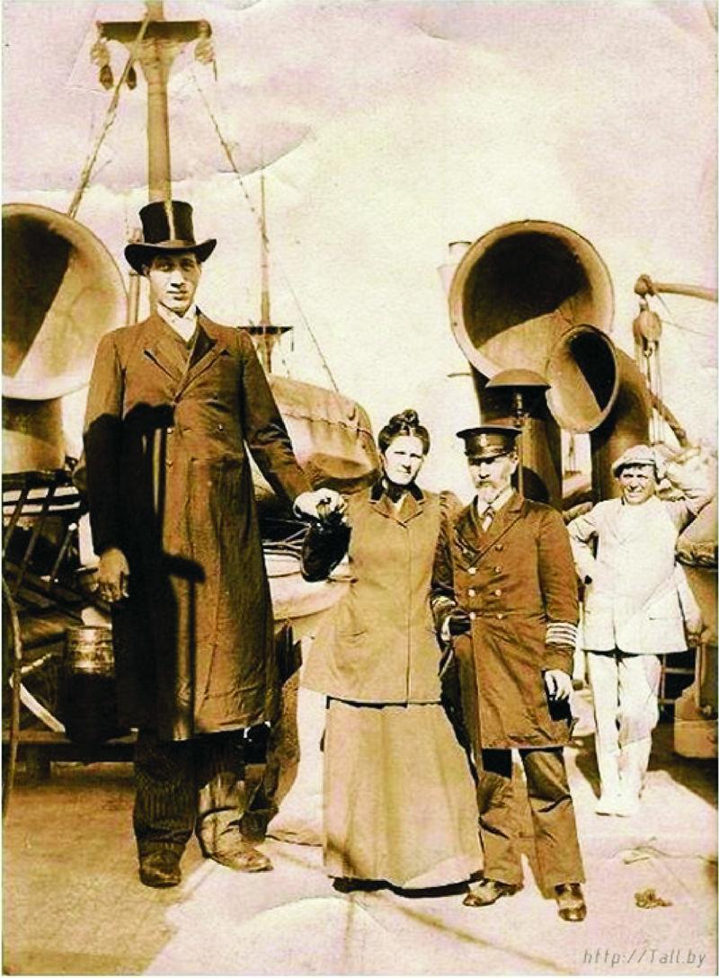 Федор Махнов во время путешествия на корабле
