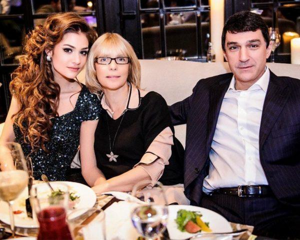 Вера Глаголева с Кириллом и Настей