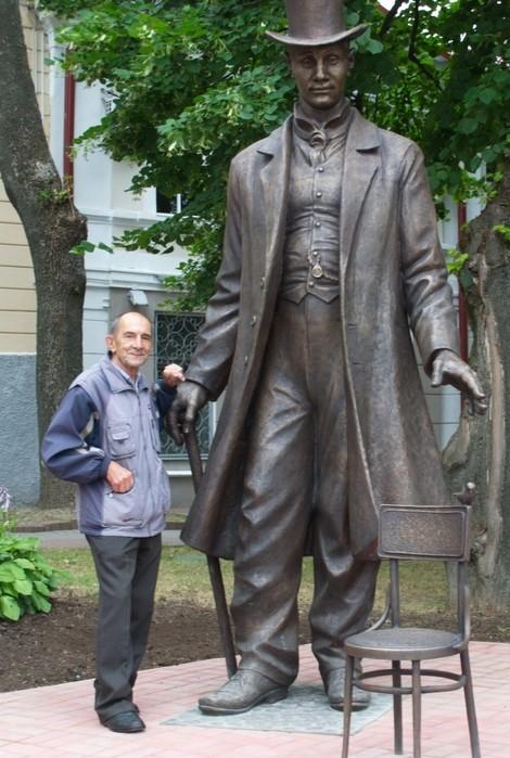 Памятник Федору Махнову. Фото vitvesti