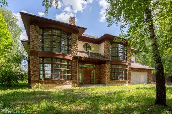 Вот так выглядят дома в деревне Рассказовка