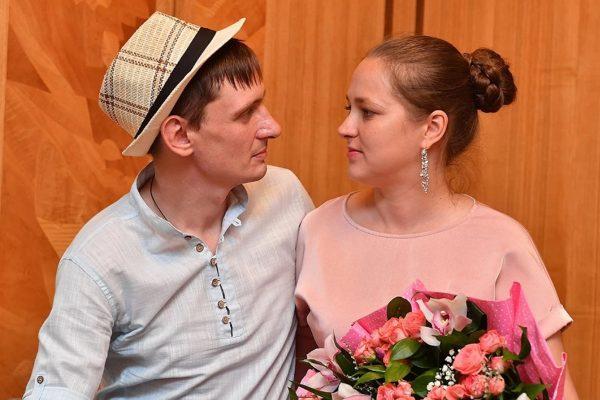 Влад Пугачёв с женой