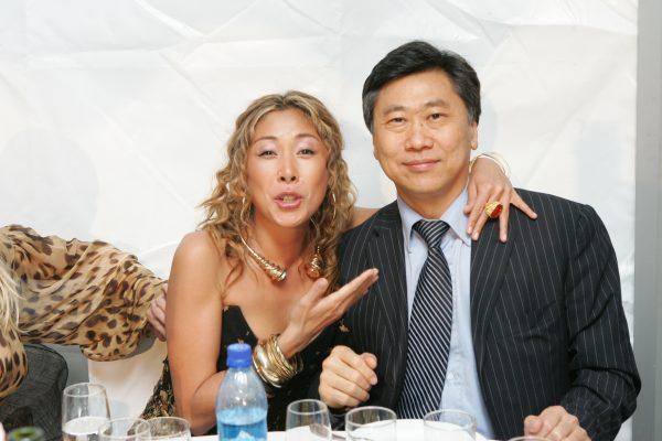 Анита Цой с мужем.
