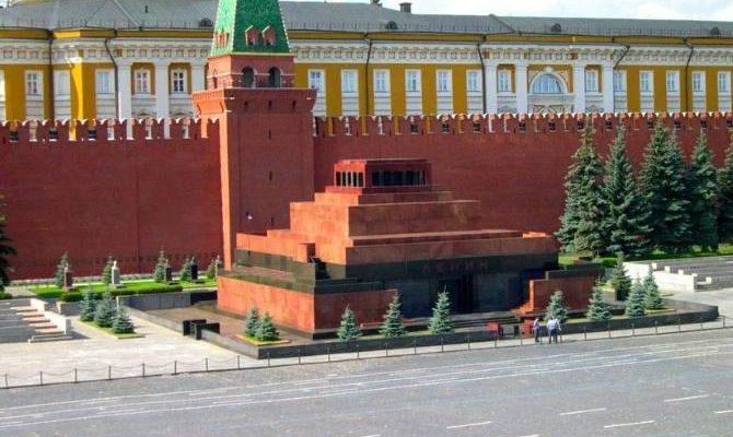 Мавзолей на Красной площади. Фото lenta.ru