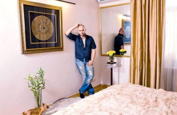 Спальня в квартире Максима Аверина. Фото Яндекс. Картинки
