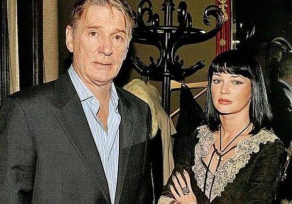 Млександр Абдулов со второй женой. Фото
