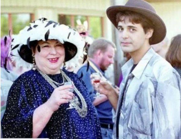 Лидия Иванова с молодым мужем. Фото КиноТеатр.ру