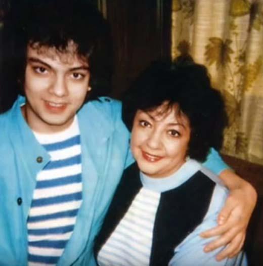 Филипп с мамой