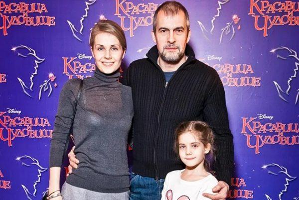 Разбегаев с женой и дочкой