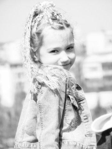 Ольга Науменко в детстве. Фото art-assorty.ru